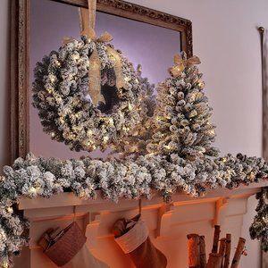 "26"" Flocked Wreath w/2-in-1 LED Lighting"